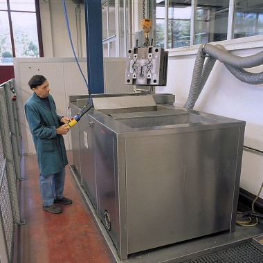 Lavaggio Stampi Ultrasuoni - Ultrasonic Cleaners Moulds